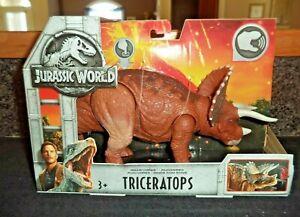 Jurassic World Roarivores Triceratops Figure