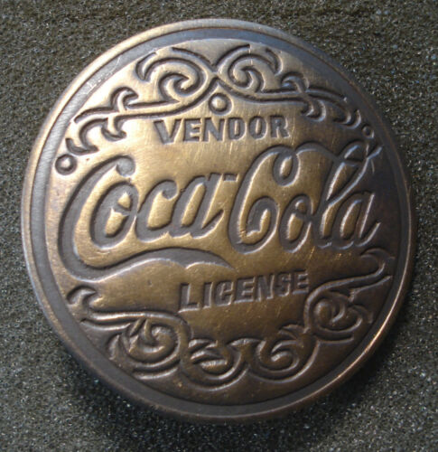 COCA COLA LICENSE VENDOR BADGE COLLECTOR  PINBACK SODA POP DRINK COKE