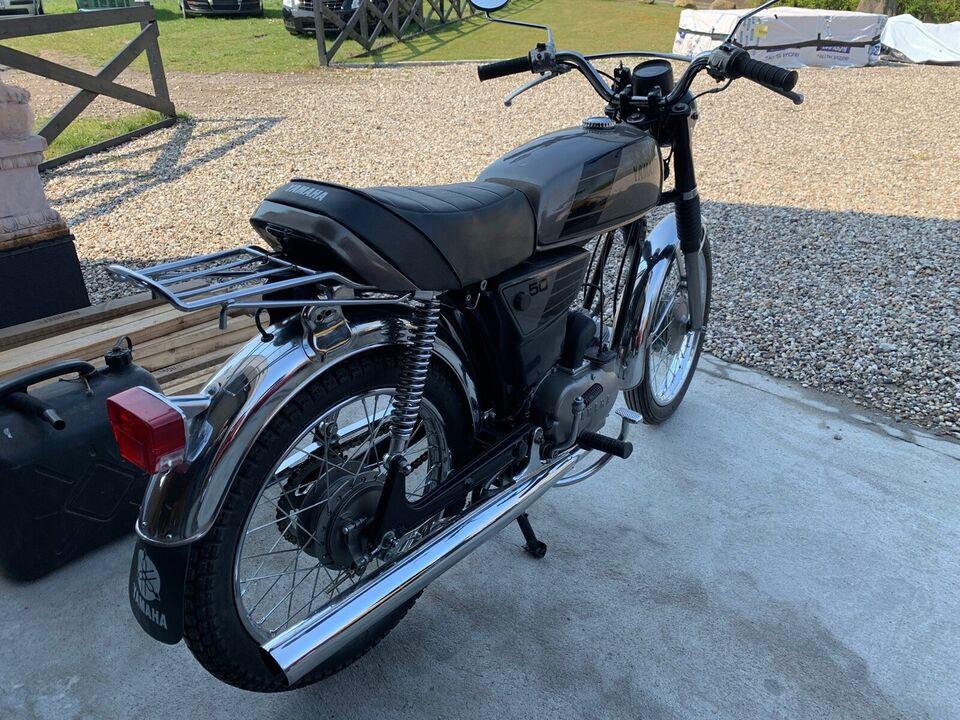 Yamaha Yamaha, 1977, Gråmet
