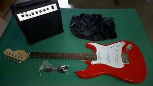 GUITARE-STYLE-STRATOCASTER-AMPLIFICATEUR-GIG-BAG-STRAP-ROUGE