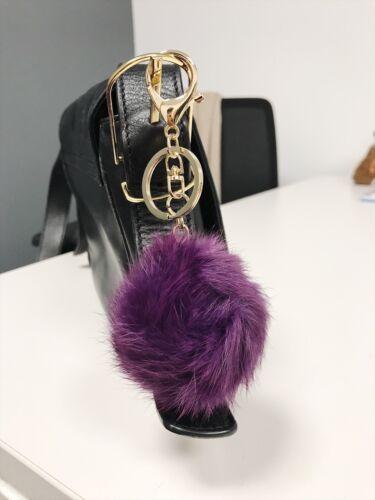Vendeur Britannique Violet 8 mm en fourrure synthétique Sac Charme Chaîne Anneau Pompon Porte-clés