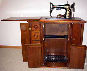 Antique Singer Treadle Sewing Machine Parlor Cabinet 1910 Great ...