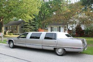 1996-Cadillac-Fleetwood-Limousine