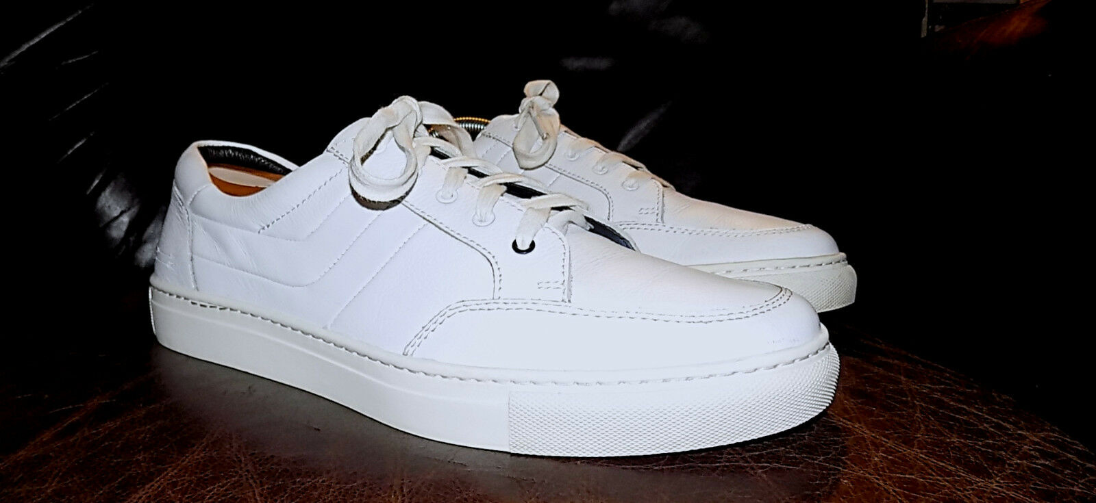 URI MINKOFF -Genuine Leather Sneakers-Taille 9M-Blanc-Fantastic Condition