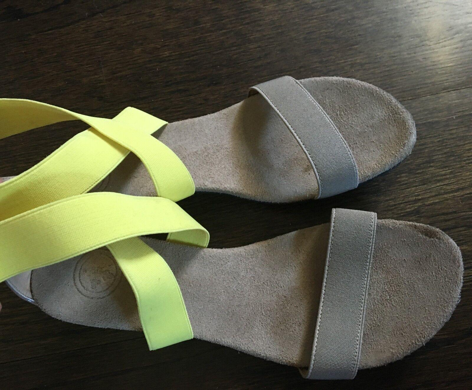 il più alla moda Charleston scarpe Company Company Company Ladies Sandals giallo Tan 9  edizione limitata