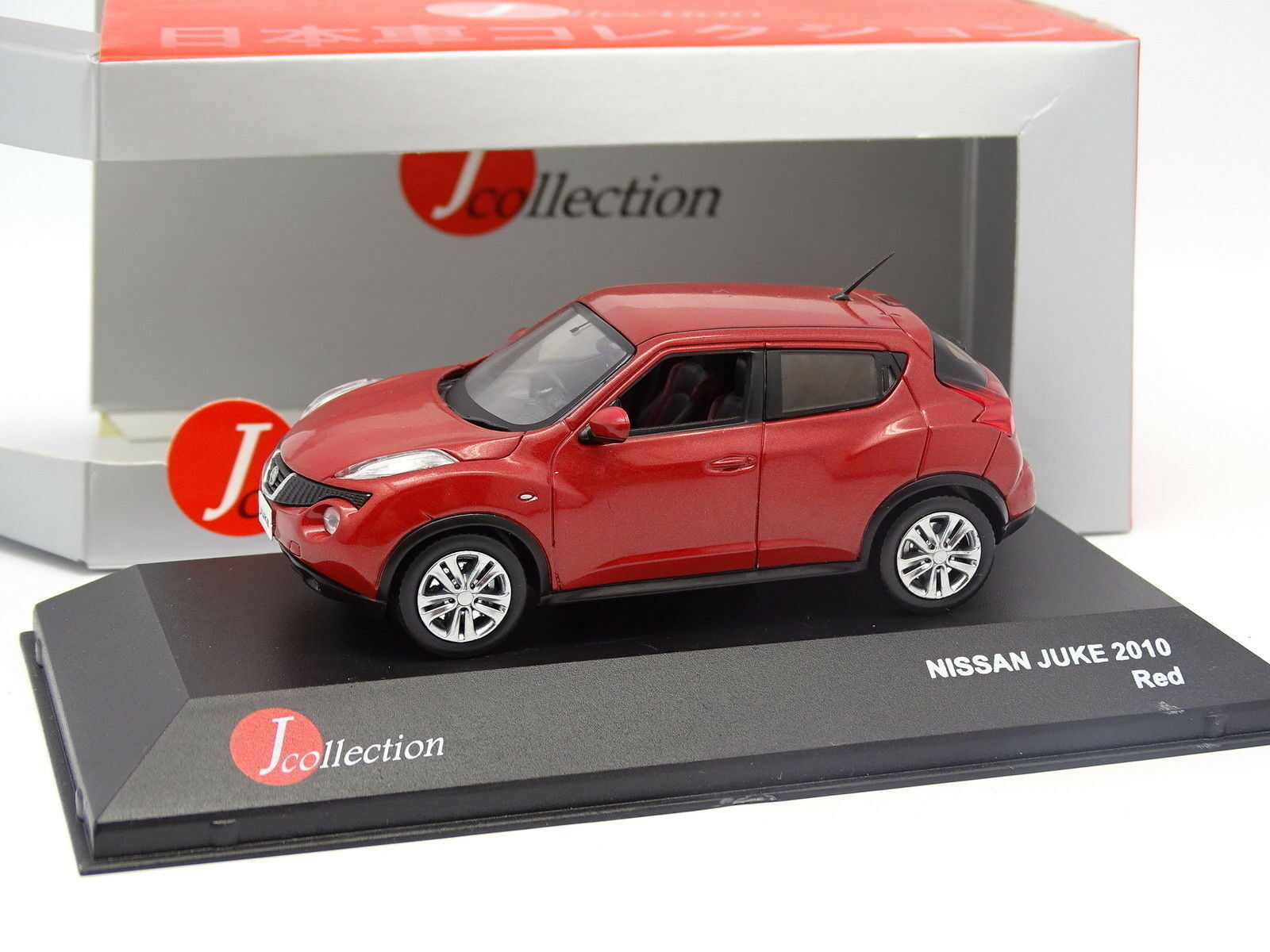 J Collection 1 43 - Nissan Juke 2010 red
