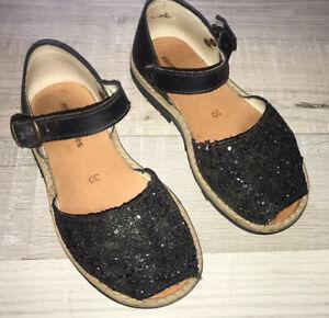 Chaussures sandales Minorquines fille T 30 en cuir Paillettes Noires TBE