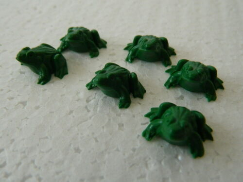 DOLLS HOUSE PACK OF SIX PLASTIC FROGS G4.28
