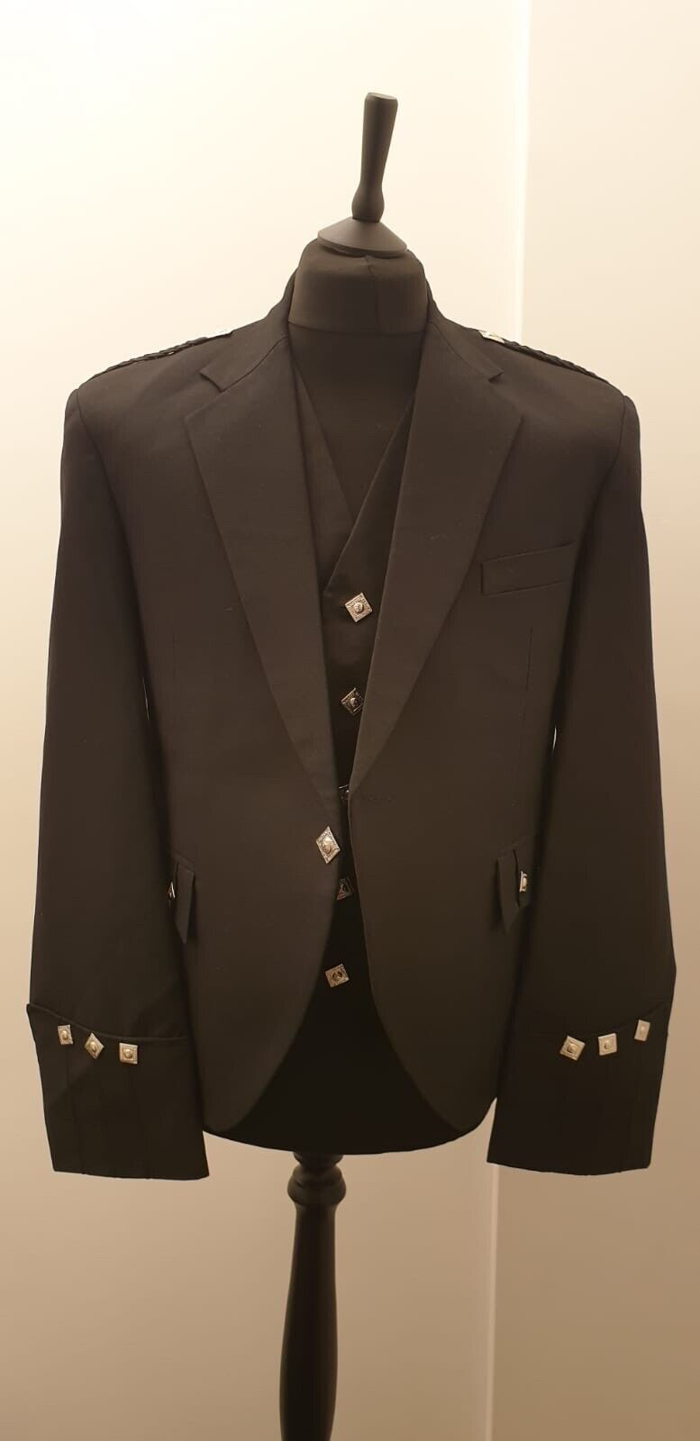 gents Argyle UK48 jacket and Waistcoat Black Available .Also Available In Bulk