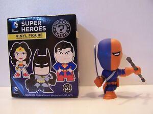 DC-Comics-Funko-Mystery-Mini-Super-Heroes-Vinyl-Figure-loose-Deathstroke