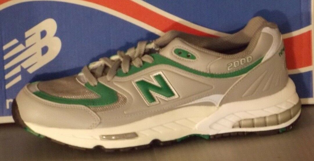 MENS NEW BALANCE M 2000 GG in colors GREY   GREEN SIZE 10