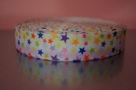 Borte 2336 Bunte Sterne auf Weiß 22mm Breite Ripsband Webband
