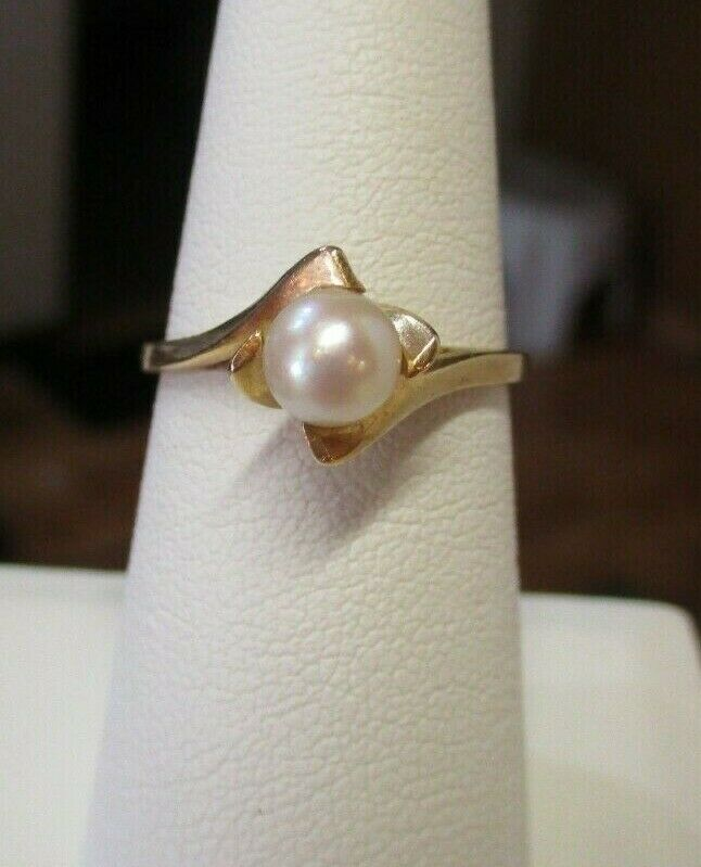 14K Yellow Gold Pearl Solitaire Ring Size 7.5 - image 1