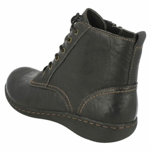 """Clarks /'Fianna Holly/' Ladies Black Leather Lace Up 1/"""" Wedge Heel Ankle Boots D"""