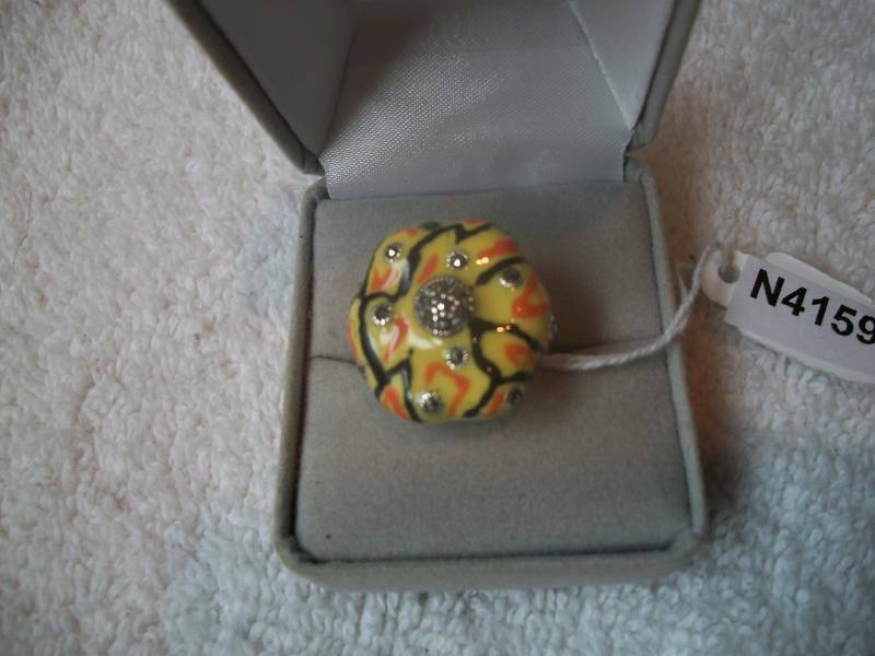 Ring SO UNIQUE Yellow Inlay Marcasite SZ 8.5 NIB  Free Ship