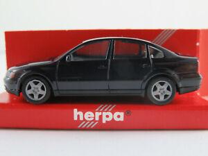 Herpa-022200-VW-Passat-Limousine-1996-2000-in-dunkelblau-1-87-H0-NEU-OVP
