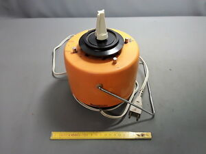 Antiguo Pedestal Chopper Electrico De Cocina Robot Vintage Moulinex