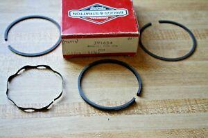 Briggs-amp-Stratton-Standard-Ring-Set-391654-396459-fits-110702-110707-series