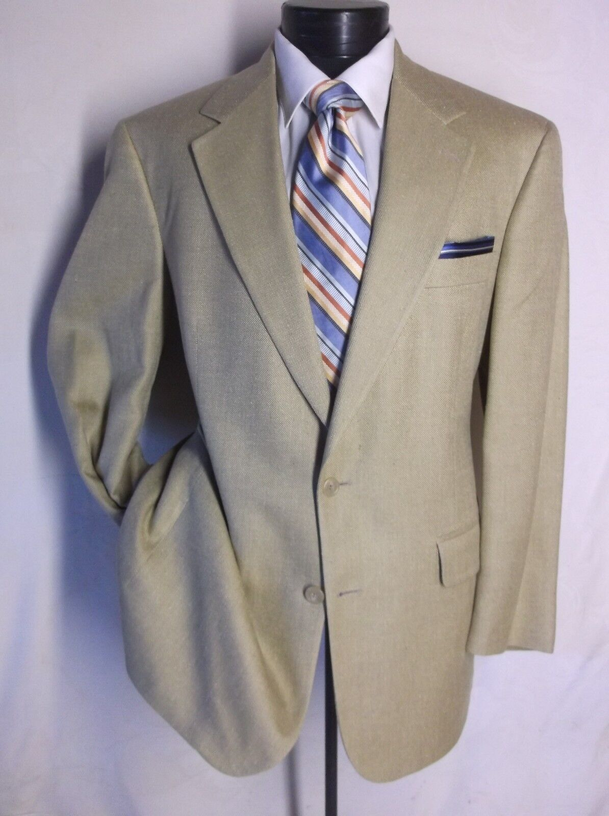 Brooks Bredhers Solid Beige Textured 2 Button 100% SIlk Size 42R