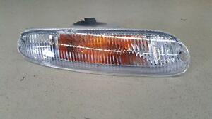 Mazda-MX5-Miata-NA-89-97-RH-Drivers-Side-Front-Indicator-Park-Lamp
