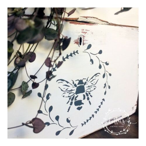 BEE WREATH A5 STENCIL Furniture Fabric Arts Crafts Vintage Shabby Chic Makeover
