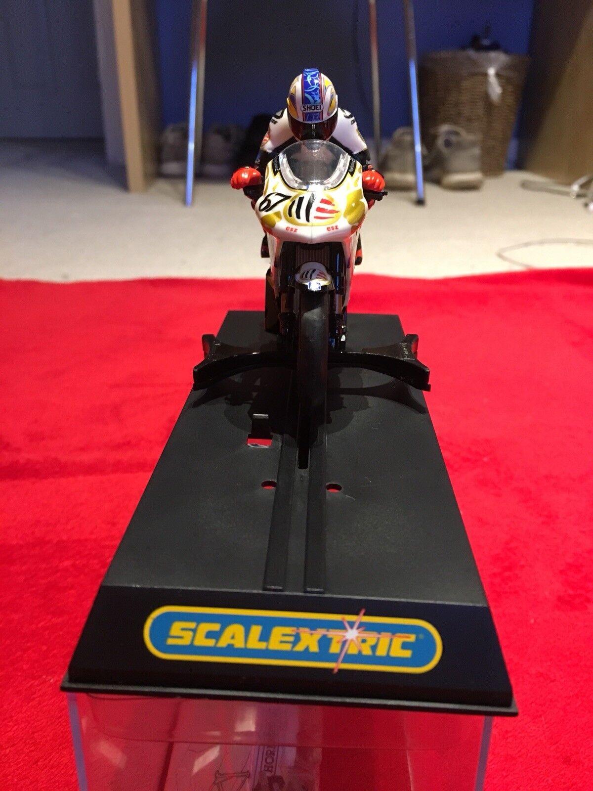 Scalextric Shane Byrne Aprilia Racing Moto GP Motorbike . C6010