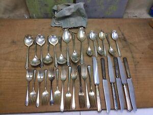 Set-Of-33-Vintage-Tudor-Plate-Oneida-Community-Made-Flateware-Algonquin-Baronet