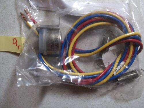 NEW IN PKG SCHNEIDER ELECTRIC TC-2931 STRAP-ON CHANGEOVER THERMOSTAT 337