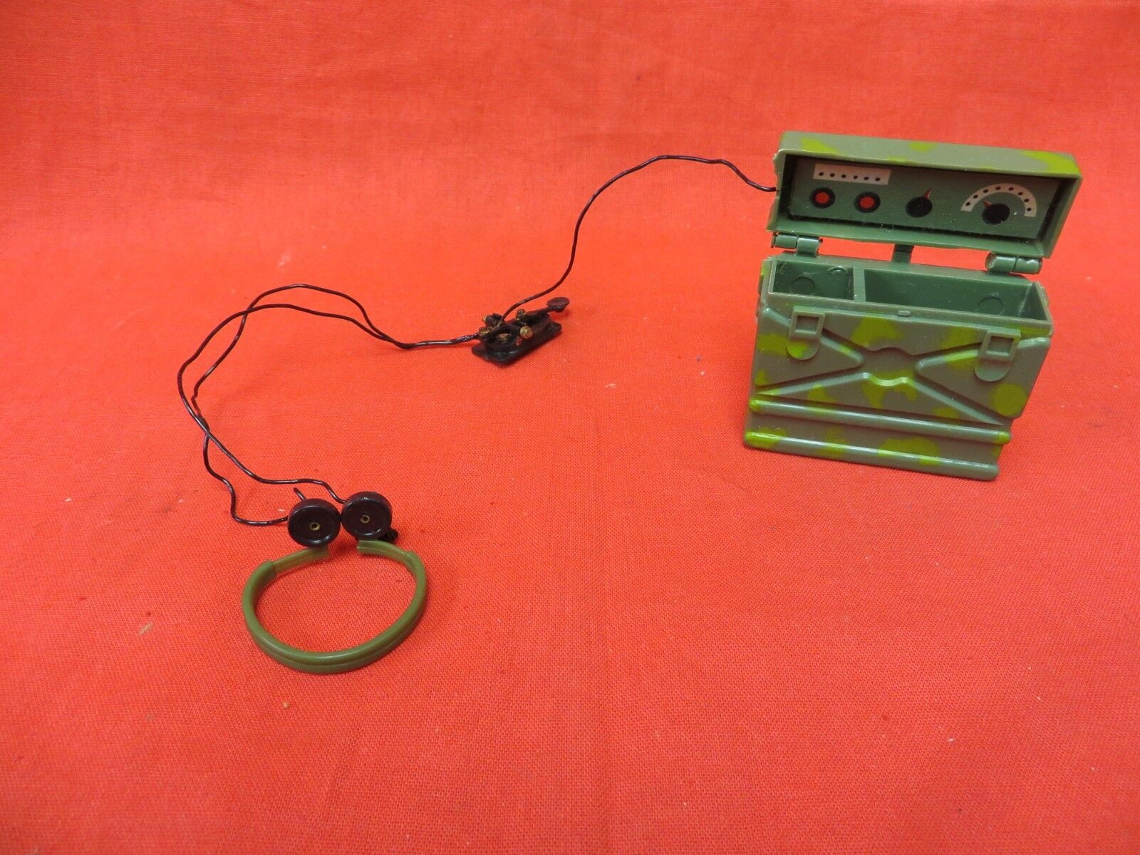 VINTAGE GI JOE 1964  JOEZETA   1966 SOTW  GREEN BERET UNMARKED TEST SHOT RADIO