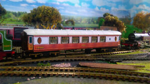 Great-Northern-Railway-Coach-Mk1-x-5-Hornby-Triang-R228-Pullman-Vinyl-render