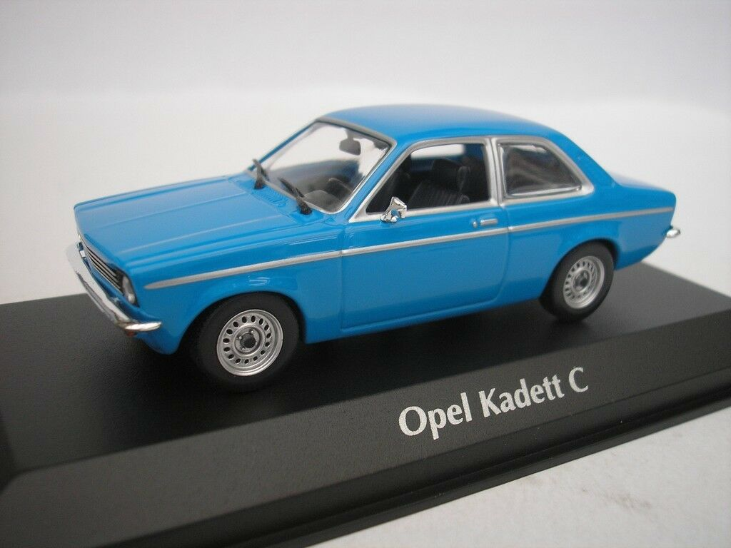 Opel Kadett C Sedan 1974 Azul 1 43 Maxichamps 940045601 Nuevo