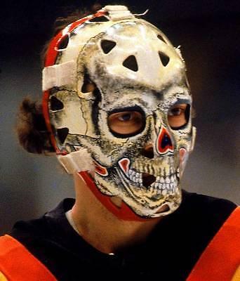 GARY BROMLEY VINTAGE SKULL GOALIE MASK NHL HOCKEY 8X10  PHOTO