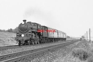 PHOTO-BR-STANDARD-CLASS-4-LOCO-NO-76082-AT-BATTLEDOWN-FLYOVER-1964