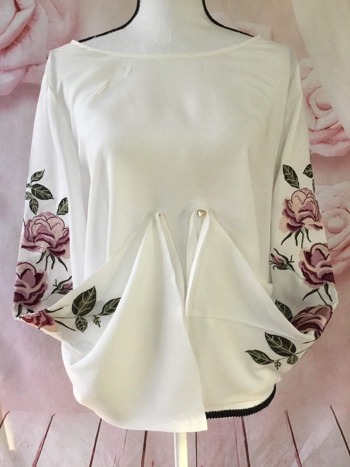CUPCAKES AND CASHMERE EMBROIDErot BELL SLEEVE TOP BLOUSE LARGE IVORY NEW