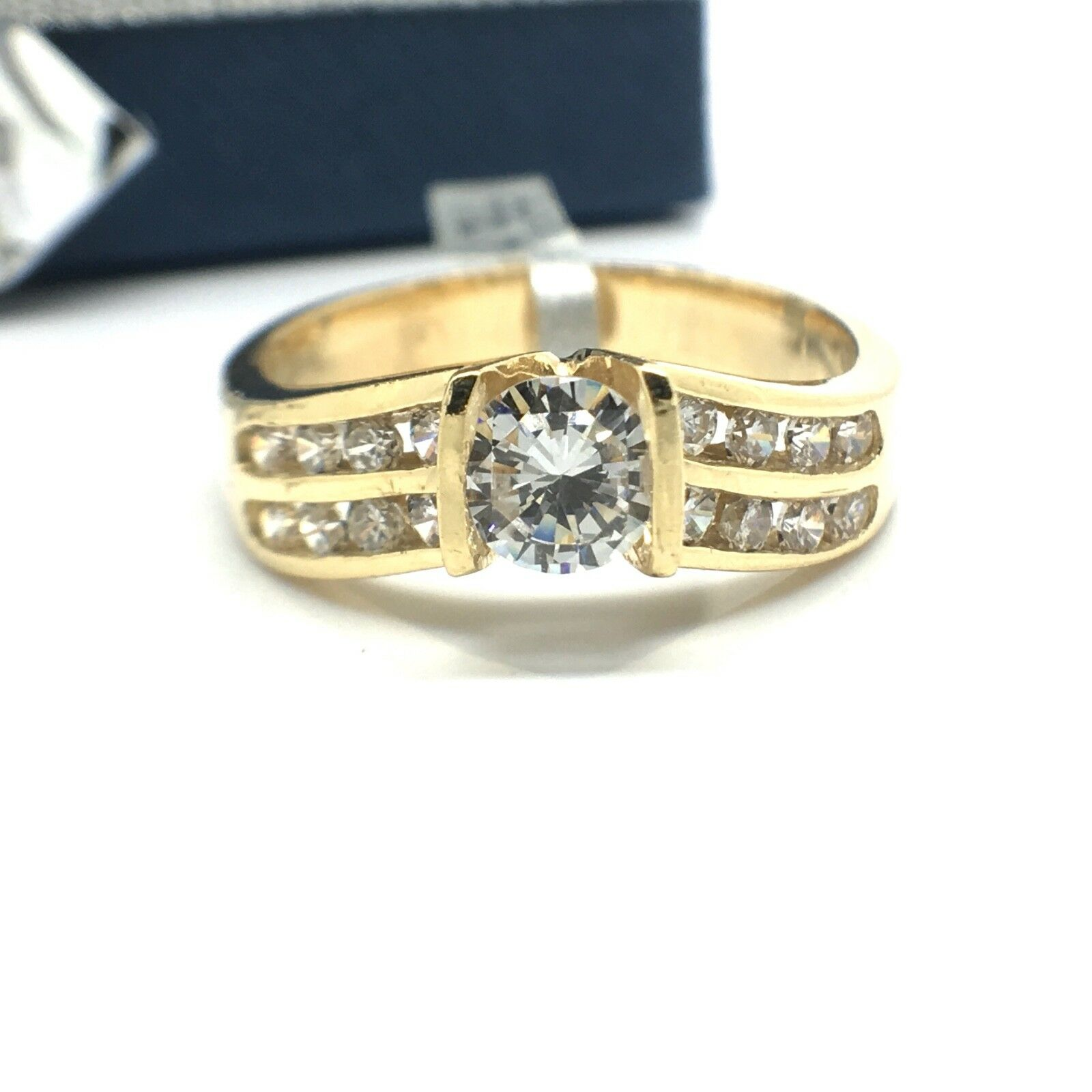 18k Yellow gold Cubic Zerconia Ring