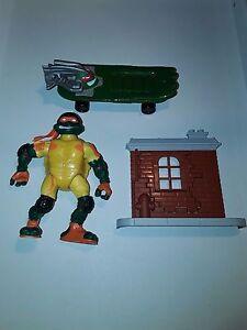 """Figurine Tortues Ninja Michelangelo 2003 Skatin mike TMNT teenage mutant turtles - France - État : Occasion : Objet ayant été utilisé. Consulter la description du vendeur pour avoir plus de détails sur les éventuelles imperfections. Commentaires du vendeur : """"lire la description, je réponds toutes questions et demandes de photo - France"""