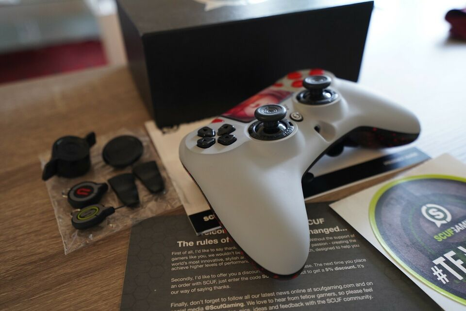 Playstation 4 Pro, 2TB 500 million Limited Edition,