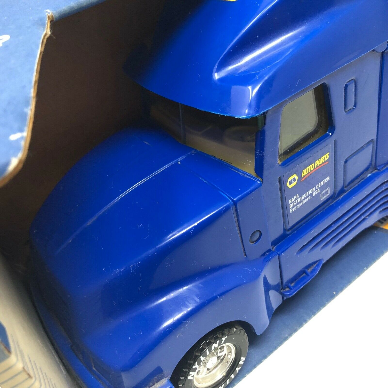 NIB Nylint Napa Tractor Trailer Auto Parts USA Made Made Made Collectors 1995 Collectors 4e2cac