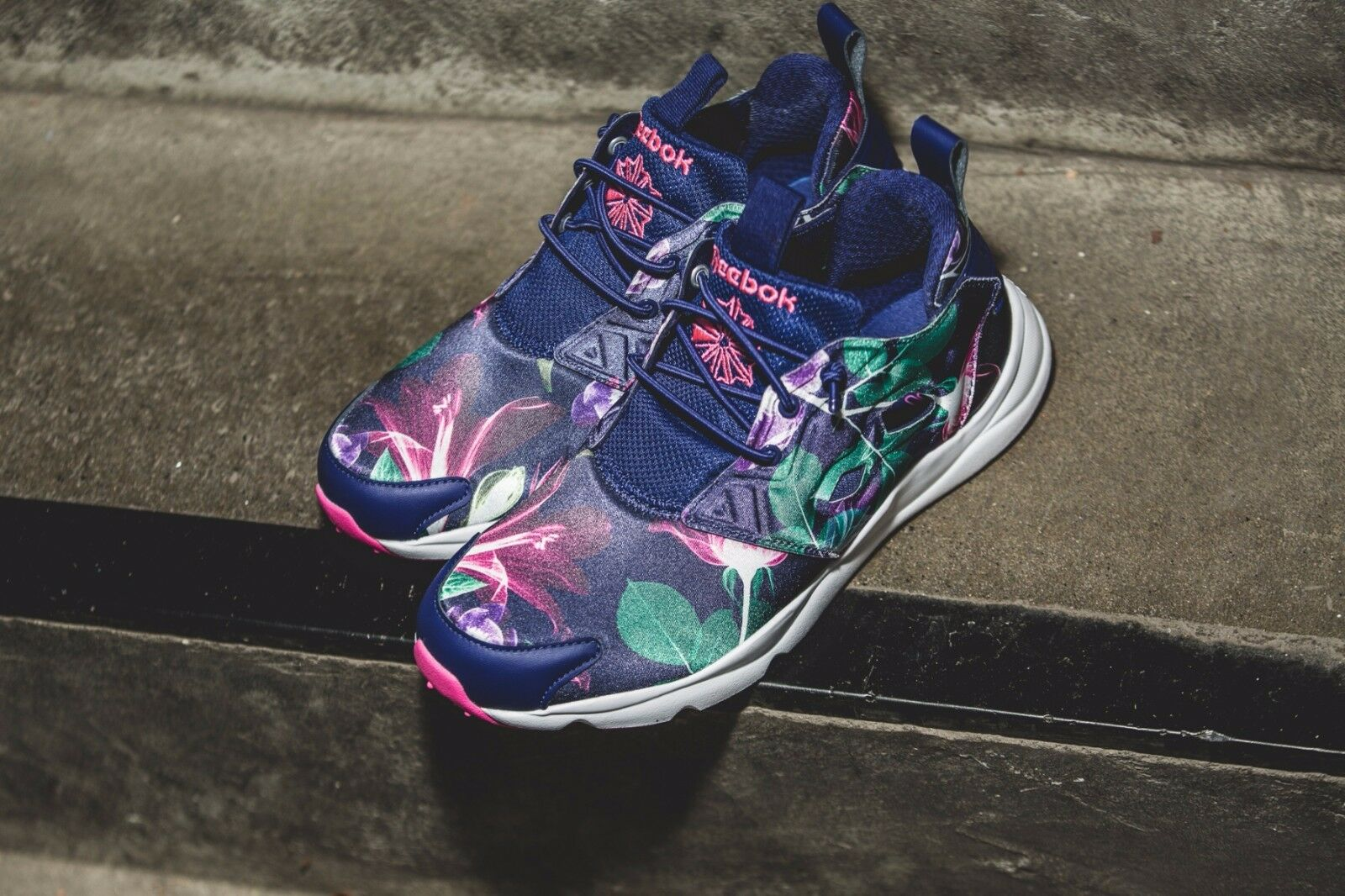 Reebok Furylite Graphic Floral  Navy Purple Womens Classic shoes Sneakers AQ9837