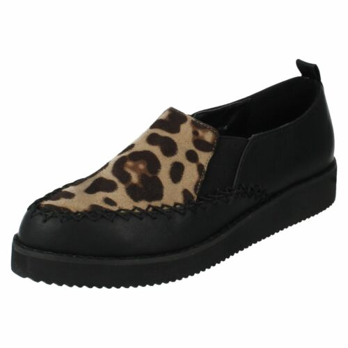 R32A Spot On F9R586 Ladies Black Leopard PU Microfibre Flat Shoes