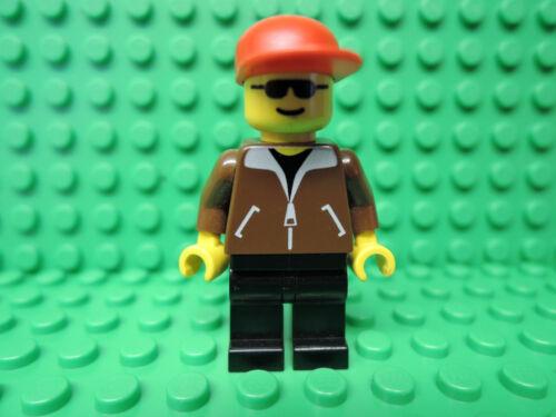 Lego Figur City Train Mann braune Jacke rote Kappe trn021  4559