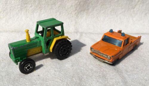 u.a Tracteur 2 alte Spielzeugautos/Vintage toy cars MAJORETTE