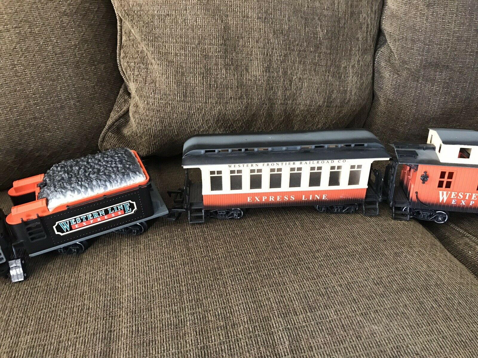 19861987 nuovo Bright Train Set With Rails  Tested & Worre