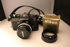 (R) Nikon Nikkormat EL Kamera  mit Nikon Nikkor H.C Auto 1:2 f=50mm