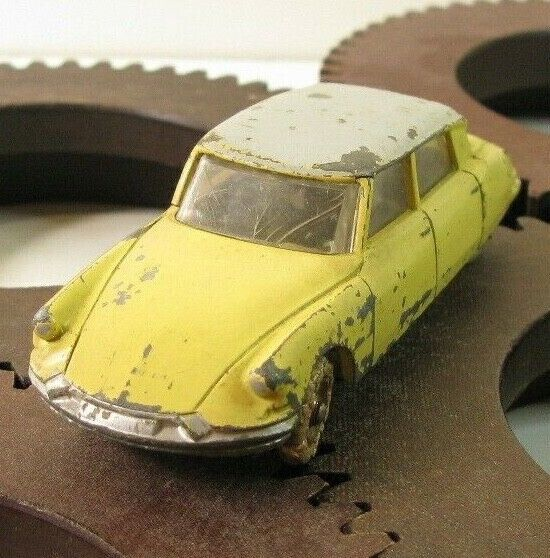 Dinky Toys Citroen DS 19 Mecano N° 25C 1950 French vintage metal toy car 1950s