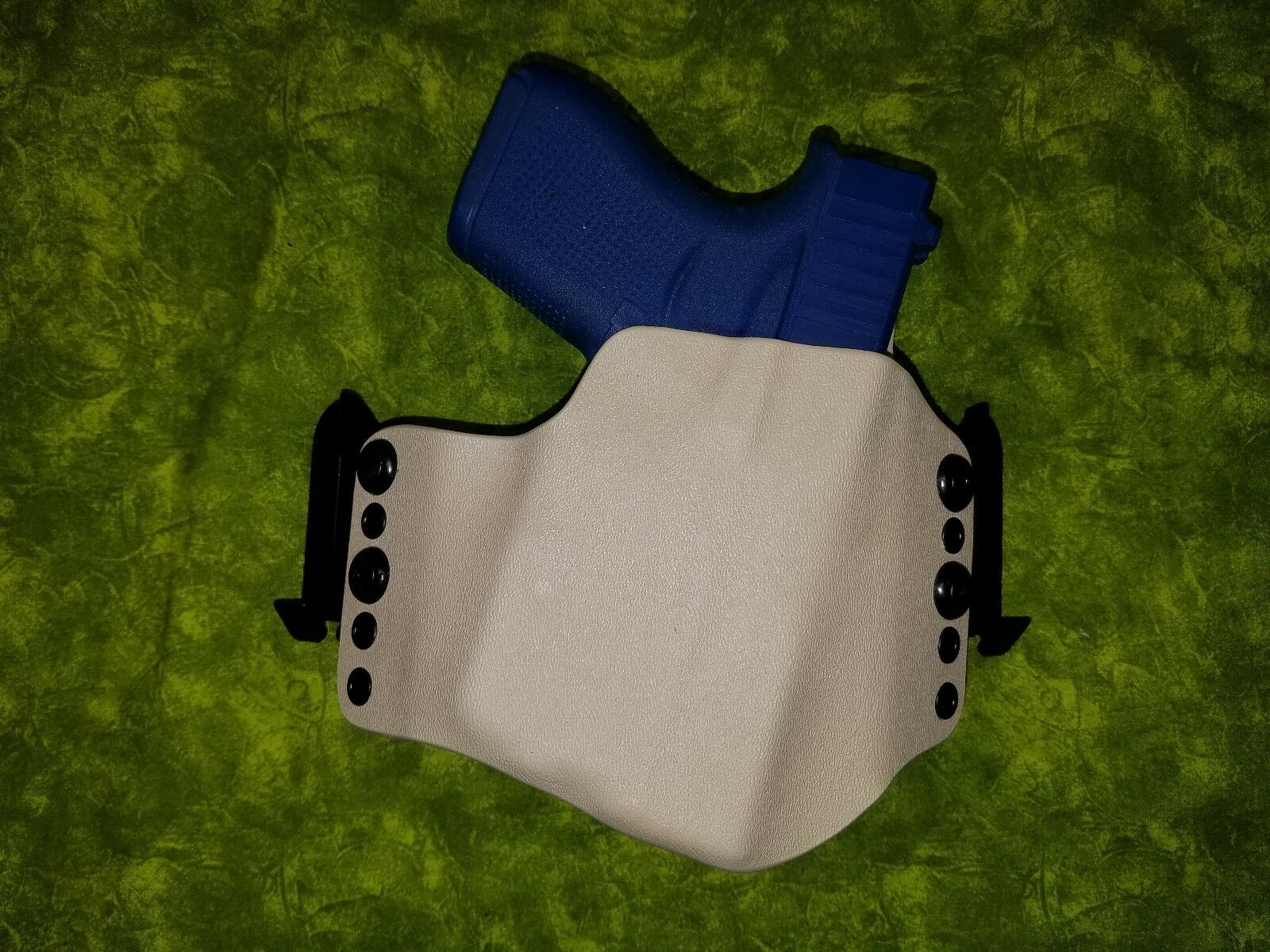 LOOK    SUPER NICE DESERT TAN KYDEX HOLSTER FOR STREAMLIGHT TLR-6 W/ SPEED CLIPS