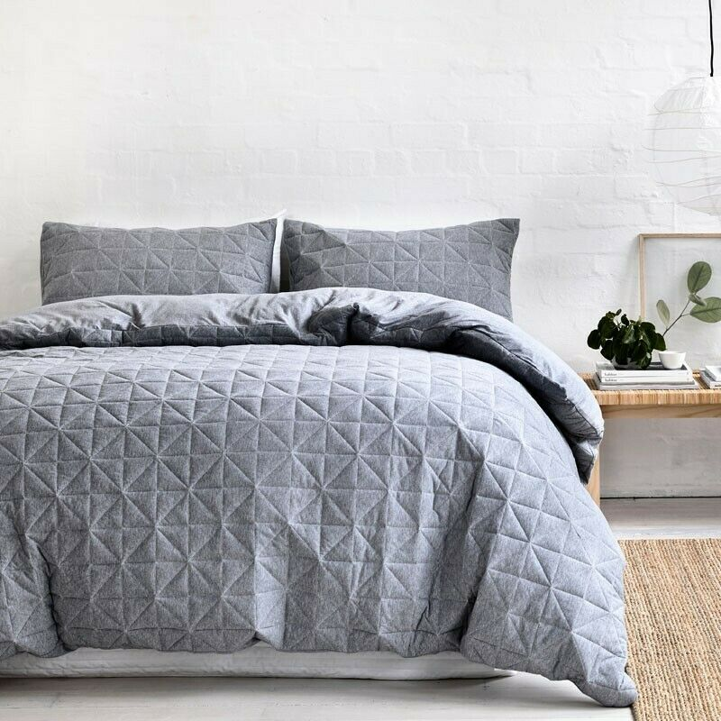 GainsbGoldugh Pender Cotton Jersey Quilt Cover Set in grau