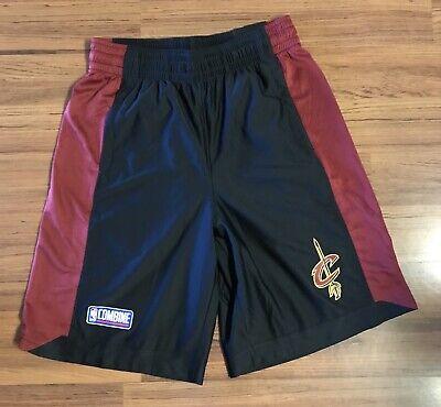 New Era Mens NBA Cleveland Cavaliers Mesh Basketball Knee Length Shorts Black