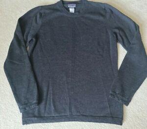 Patagonia-Merino-Wool-Crew-Base-Layer-Sweater-Women-s-with-trim-Medium-EUC