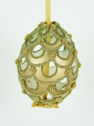 Perforietes Osterei Ostereier Osterdeko goldenes Ei